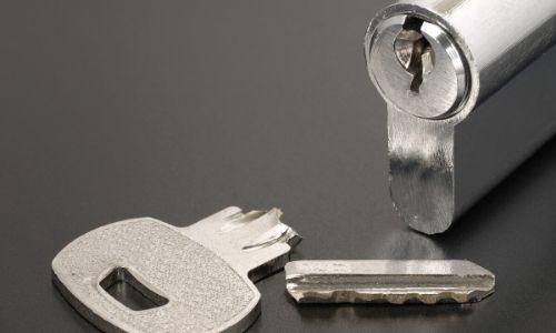 Quality Garage Door & Locksmith - Emergency Locksmith
