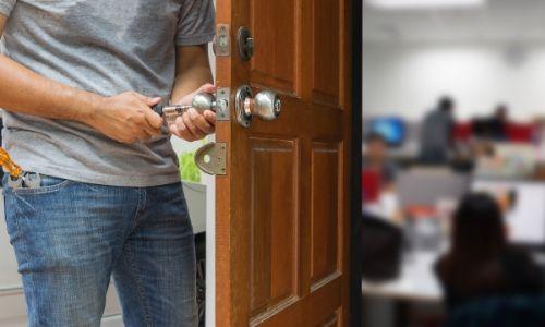 Quality Garage Door & Locksmith - Residential Locksmith
