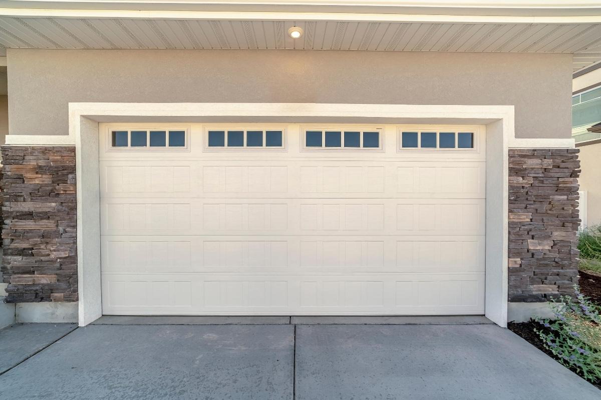 Quality Garage Door & Locksmith - White Garage Door Repair